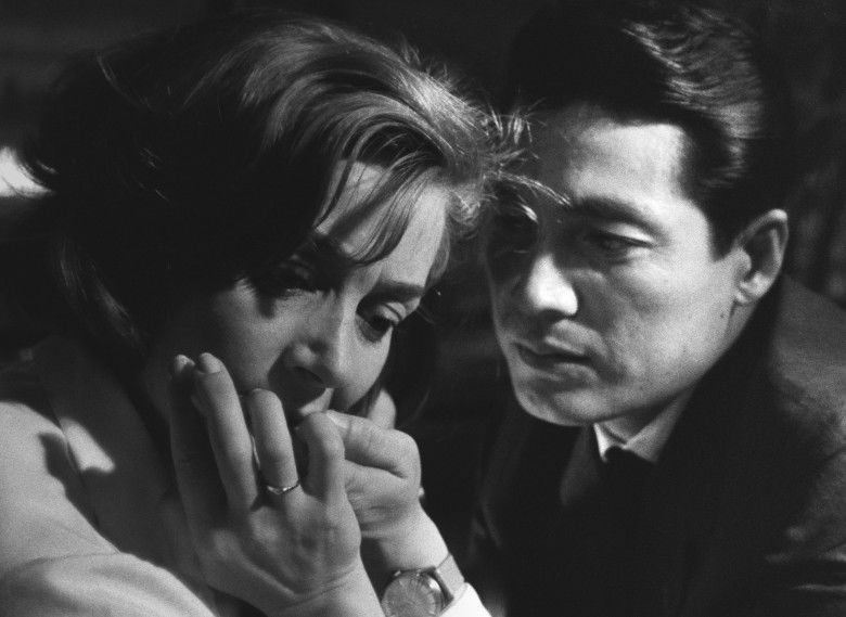 emmanuelle-riva-and-eiji-okada-in-hiroshima-mon-amour