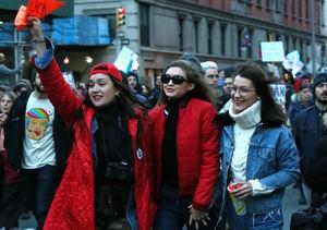 Gigi & Bella Hadid Protest President Trump's Immigration Ban