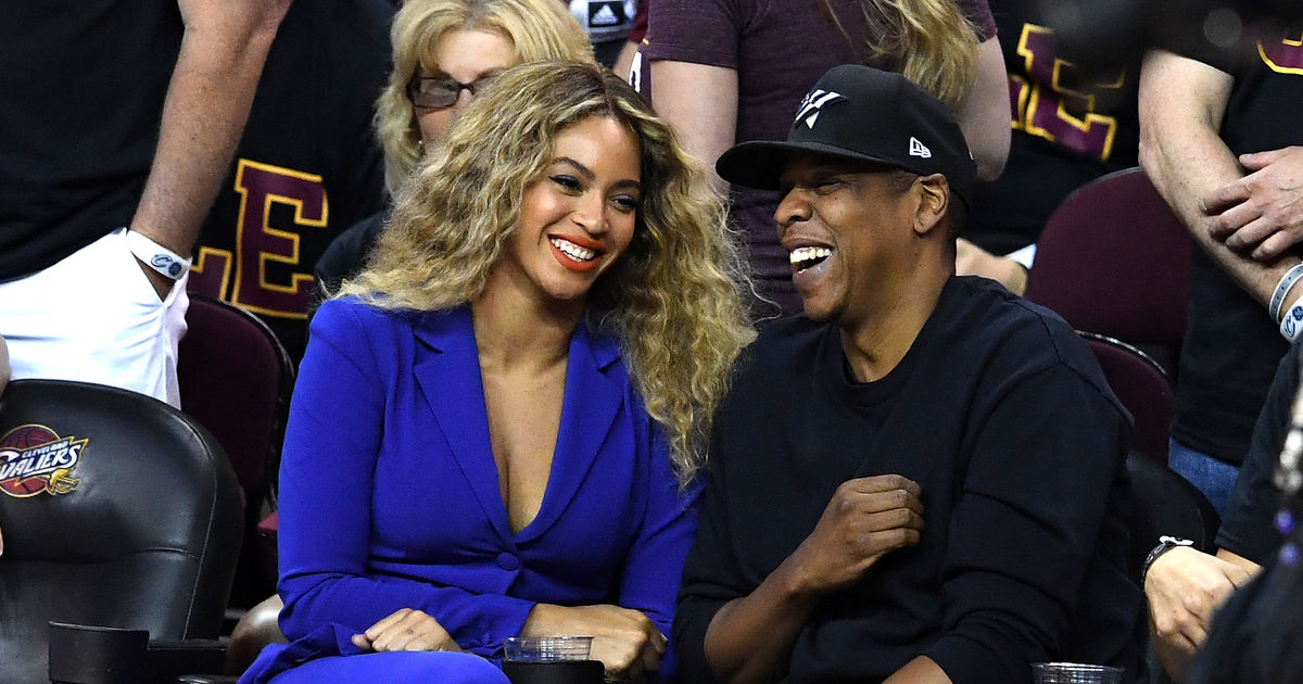 Beyoncé & Jay Z Are Expecting Twins — See Her Baby Bump ...