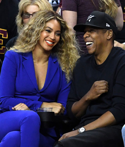 Beyoncé & Jay Z Are Expecting Twins — See Her Baby Bump!