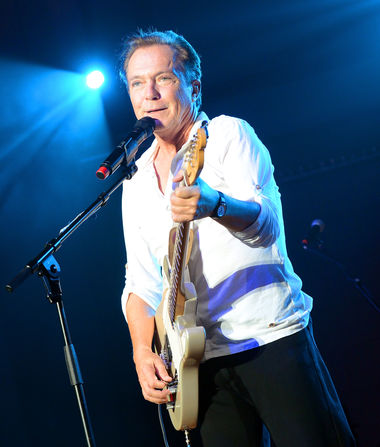 David Cassidy Falls Off Stage During Farewell Concert — Was He…