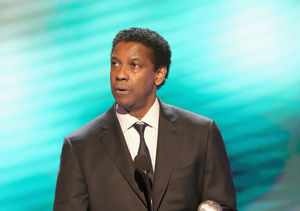 Denzel Washington Teaches 'Extra' How to Give Perfect Acceptance Speech