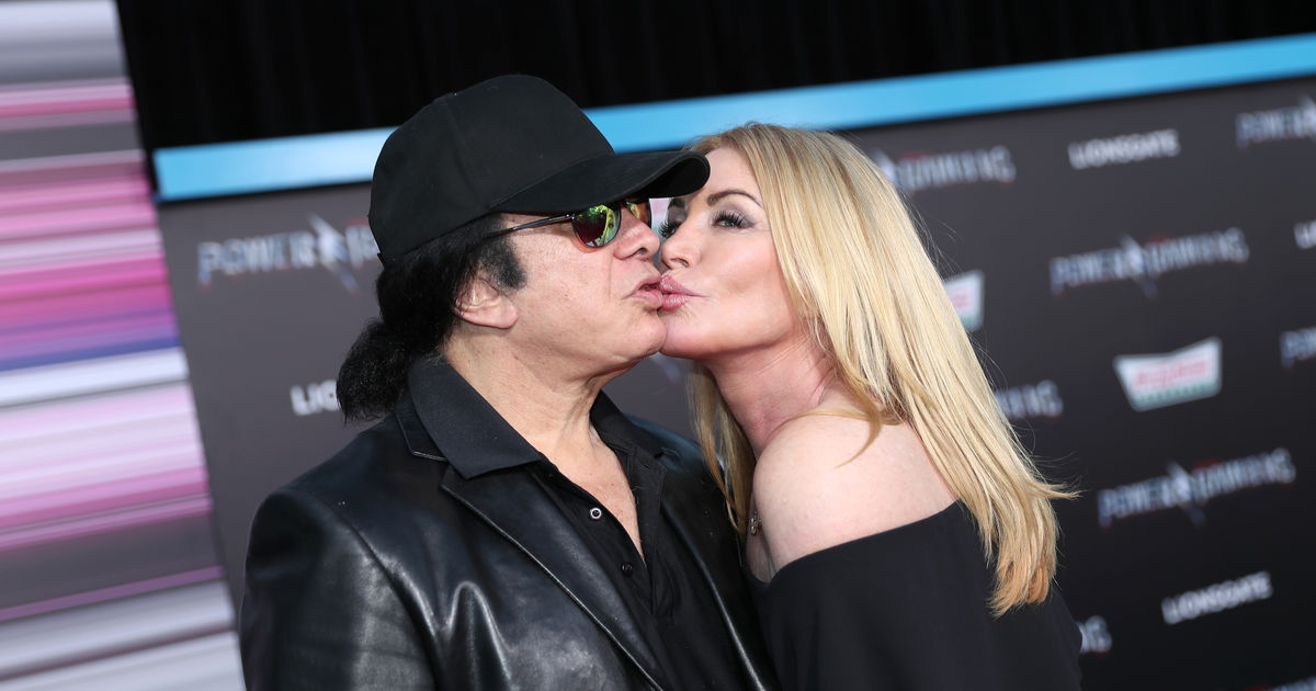 Gene Simmons and Shannon Tweed Pack on PDA at Premiere ...