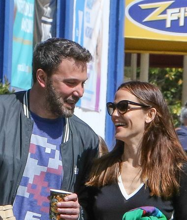 New Pic of Ben Affleck & Jennifer Garner Looking Happy Together