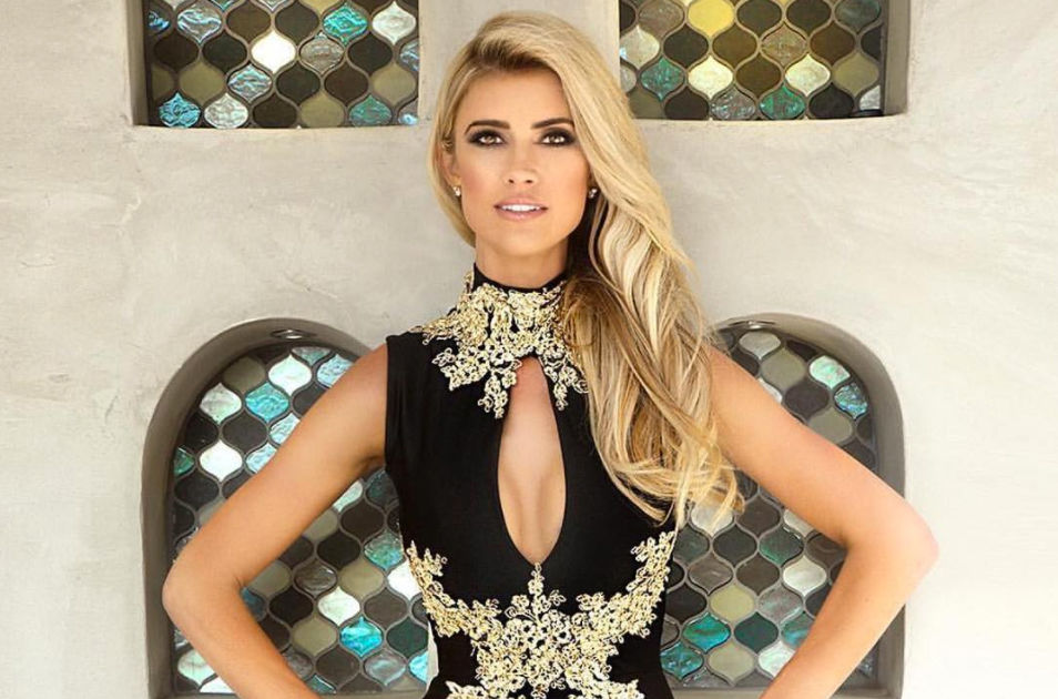 Flip and Flop host Christina El Moussa