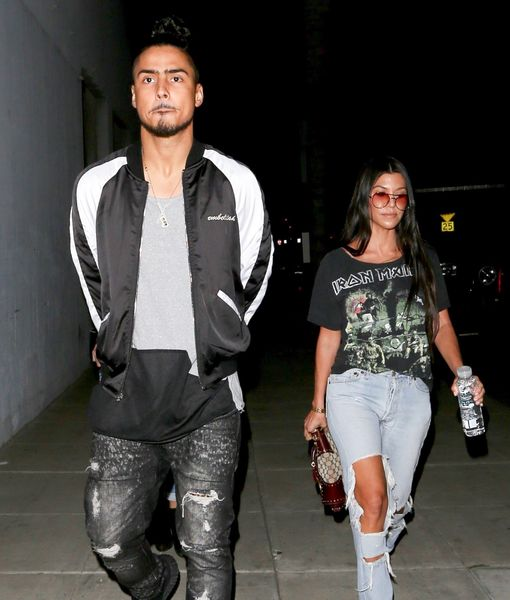 Is kourtney kardashian dating anyone