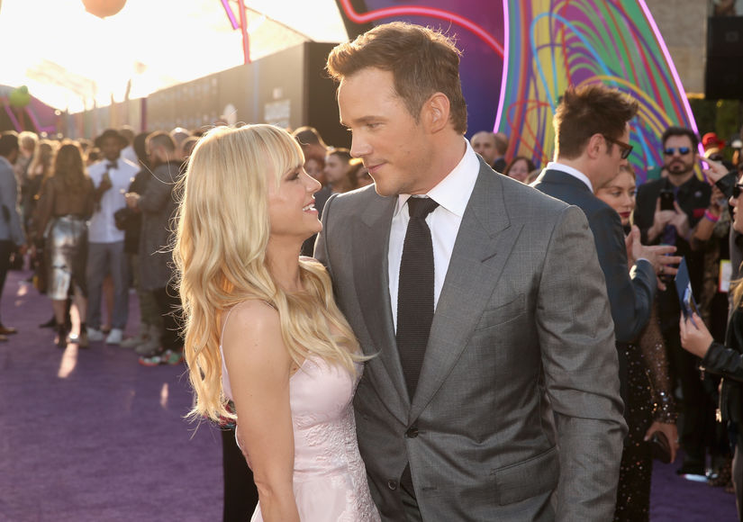 Chris Pratt Explains THAT Funny Behind-the-Scenes Photo from Anna Faris' Live Tweet