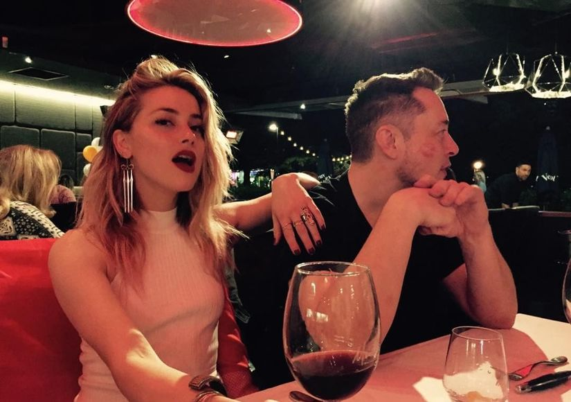 Pic! Amber Heard & Elon Musk Make It Instagram-Official