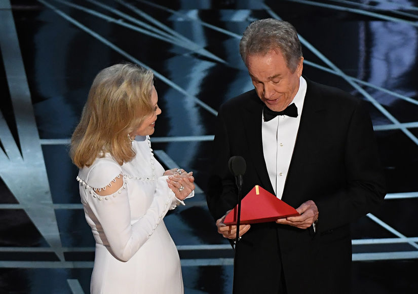 Faye Dunaway Says She Felt 'Very Guilty' After Oscars Best Picture Mix-Up
