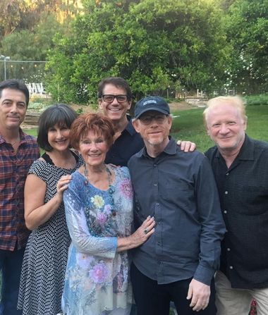 'Happy Days' Cast Remembers Erin Moran at Memorial