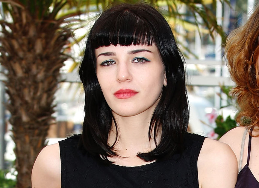 Report: Dogtooth Star Mary Tsoni Dead at 30 | ExtraTV.com