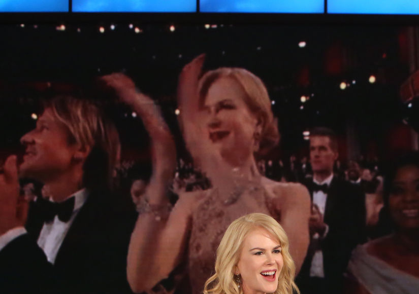 Video Proof! Nicole Kidman Shows How She Really Claps After Oscars 'Seal Clap'