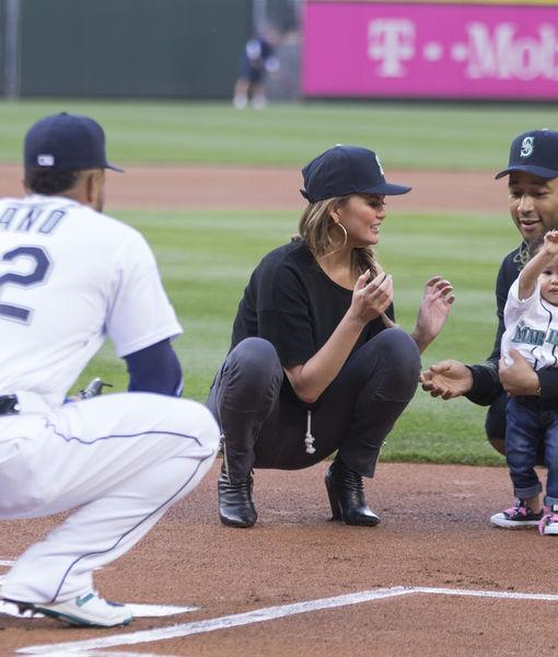 Super Cute Pics! John Legend & Chrissy Teigen's Daughter Luna Throws…