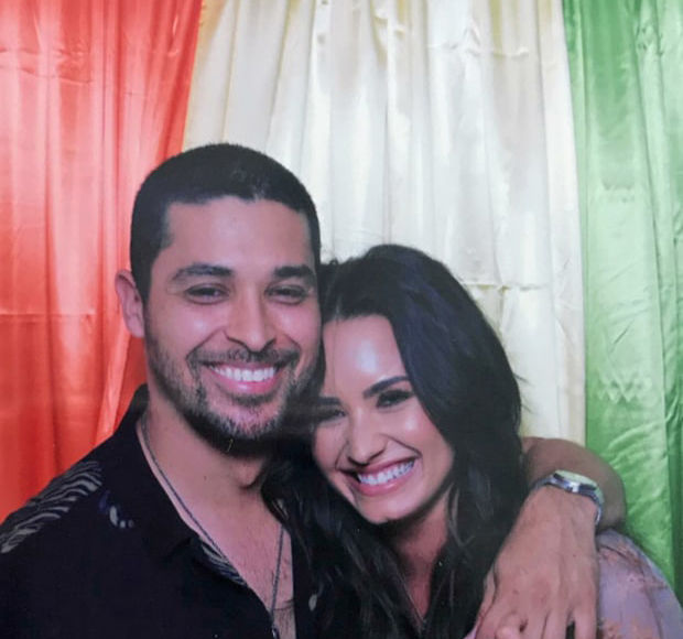 Demi Lovato & Wilmer Valderrama's Cozy New Snap, 1 Year After Their Split