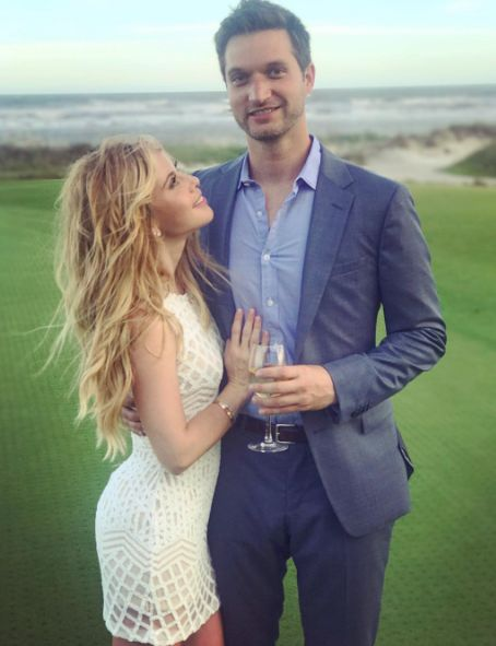 Inside Tara Lipinski's 'Ultra-Romantic' Wedding!