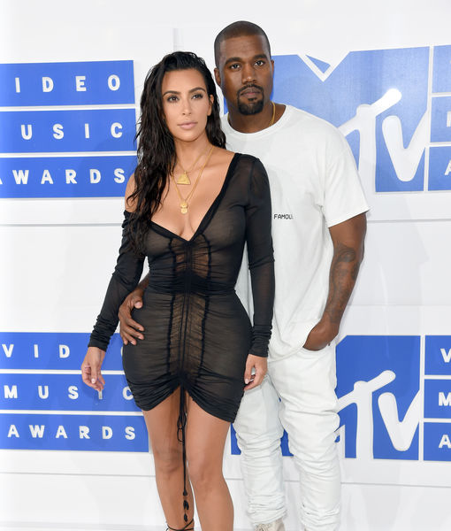 When did kim kardashian and kanye west started hookup