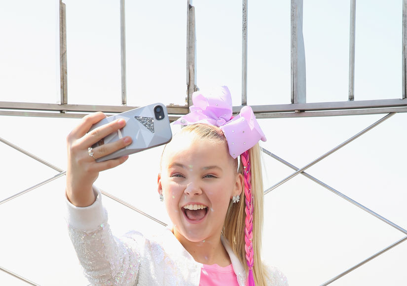 Video! JoJo Siwa Celebrates Her 'My World' Nickelodeon Special