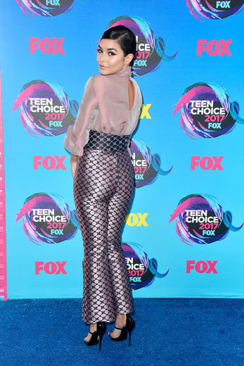 Teen Choice Awards 2017 Fashion Statements!