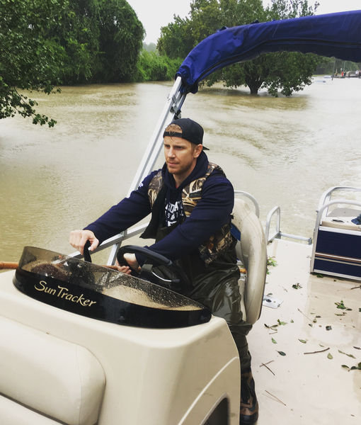 Sean Lowe Comes to the Aid of Hurricane Harvey Victims, Plus: How Celebrities…