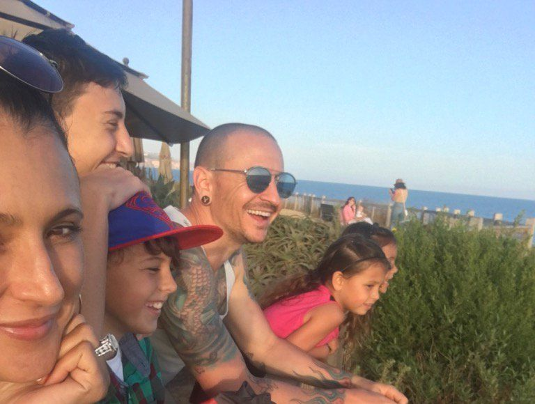 Chester Bennington's Widow Shares Heartbreaking Pic of Linkin Park Singer…