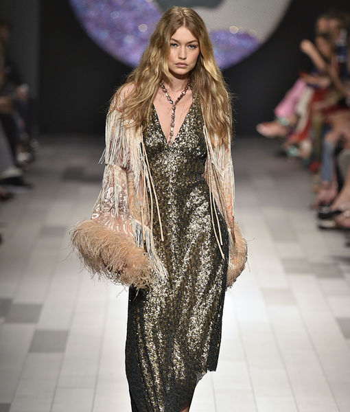 Gigi Hadid Walks the Runway at NYFW in the Middle of a Major Wardrobe…