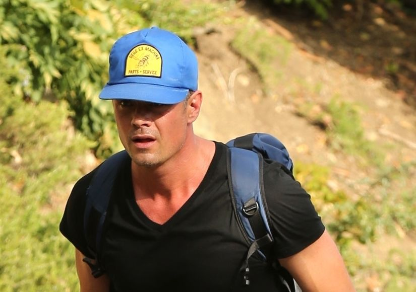 Josh Duhamel Spotted Without Wedding Ring, Plus: Fergie's First Words After…