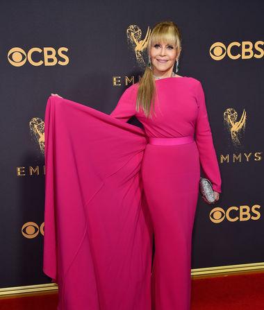 Jane Fonda Is Unrecognizable on Emmys 2017 Red Carpet