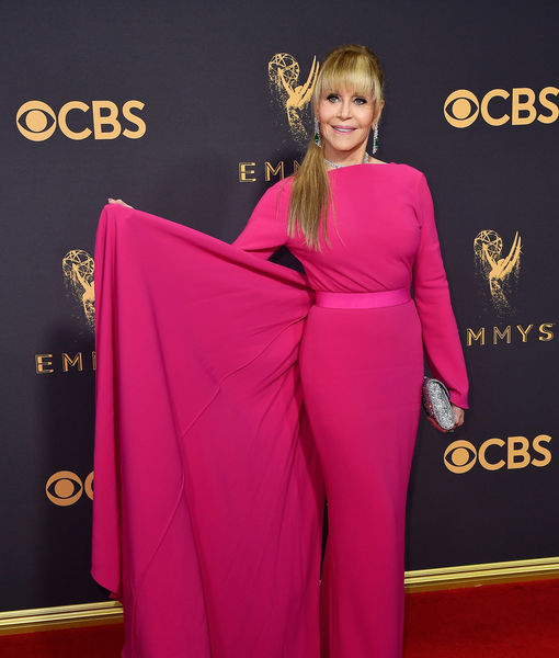 Jane Fonda Is Unrecognizable on Emmys 2017 Red Carpet