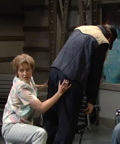 Kate McKinnon 'Cracks' Ryan Gosling Up on 'SNL' Season 43 Premiere