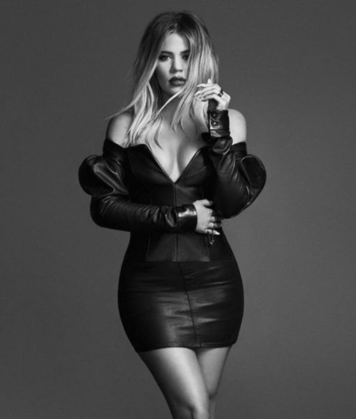 Baby on Board? The New Khloé Pic That Fans Have Under a Microscope
