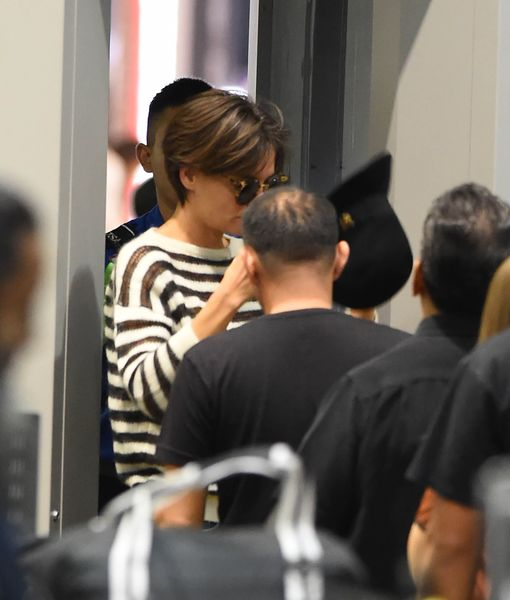 Pic! Katie Holmes' Super Short New 'Do