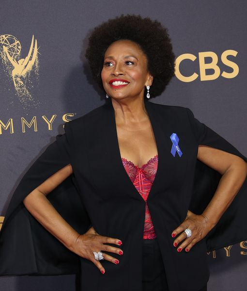 Extra Scoop: 'Black-ish' Grandma Jenifer Lewis Reveals Battle with Sex…