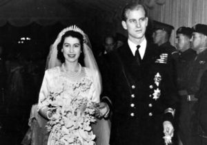 See New Pic: Queen Elizabeth & Prince Philip Celebrate 70th!