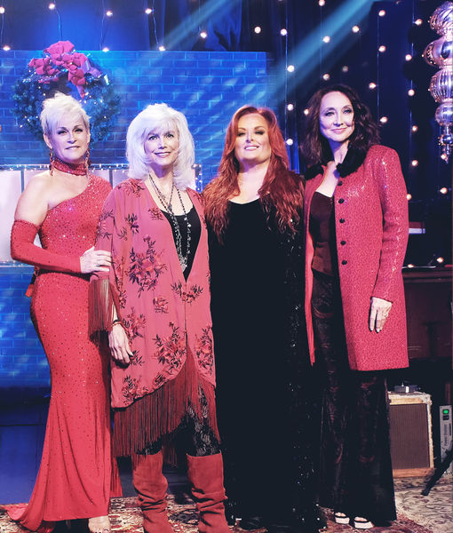 Deck the Halls with Lots of Divas: getTV Debuts 'A Nashville Christmas'