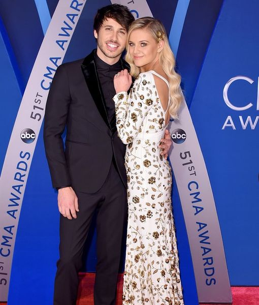 Country Stars Kelsea Ballerini & Morgan Evans Got Hitched!