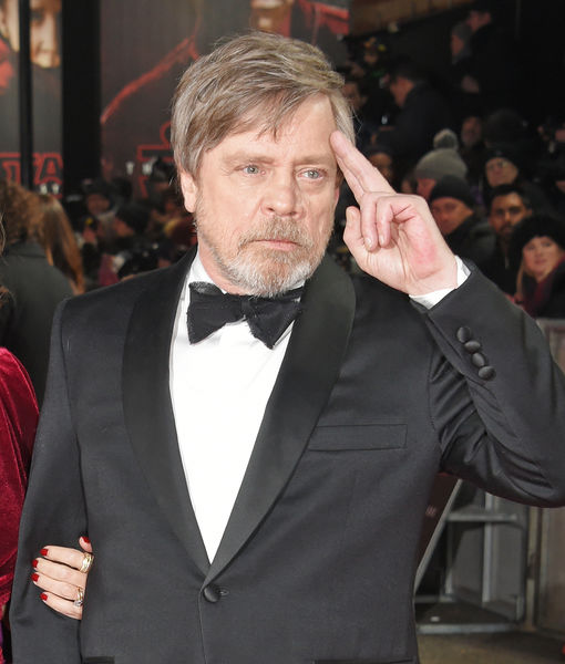 Mark Hamill Remembers Carrie Fisher: 'She's Wonderful' in 'Star Wars:…