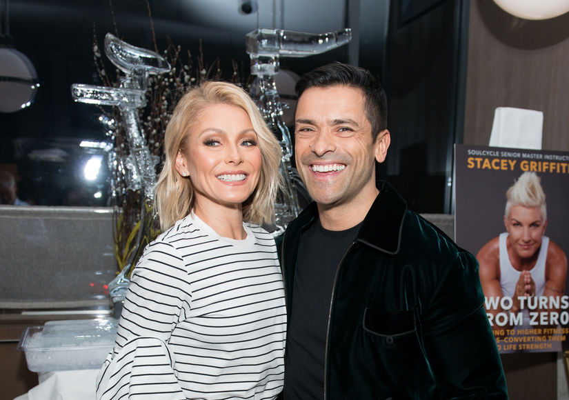 Kelly Ripa & Mark Consuelos Share Holiday Pic... After Daughter Approves!