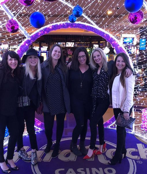 Bachelorette Party? Kaley Cuoco Hits Up 'Magic Mike Live Las Vegas'
