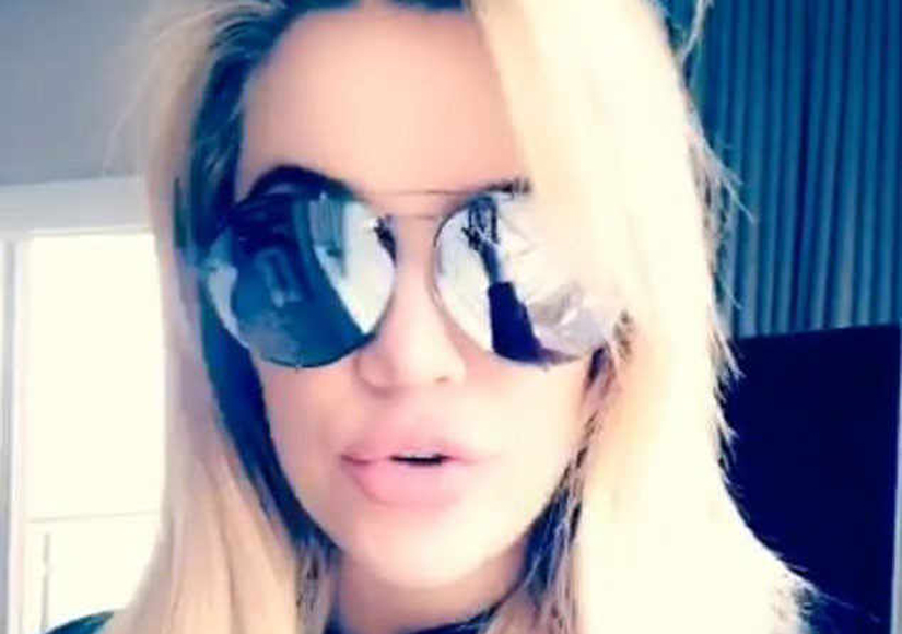 See the Pregnancy Hint Hidden in the Reflection of Khloé Kardashian's…