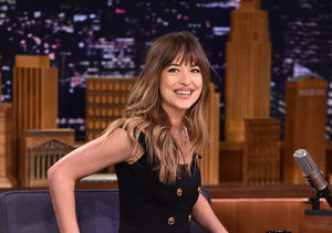 Why Dakota Johnson Couldn't Stop Giggling at Chris Hemsworth's Shirtless Bod