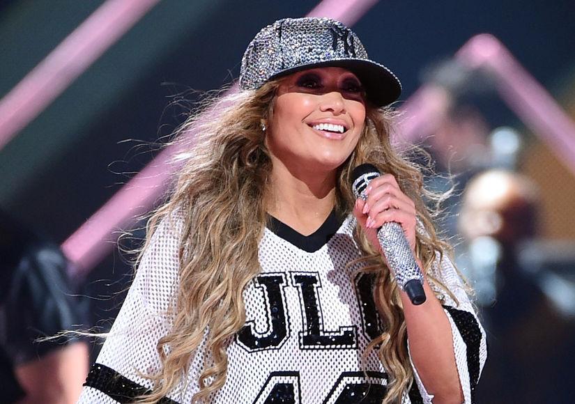 Jennifer Lopez Is in Tom Brady's Corner!