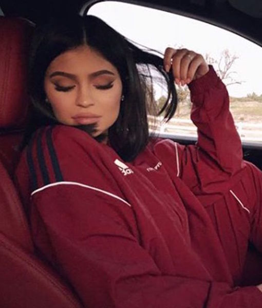 Kylie & Travis Spotted on Lunch Date — First Post-Baby Outing