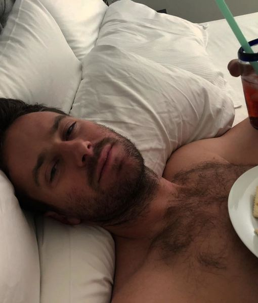 Oh, No! Armie Hammer's Oscar Prep Requires IV & Soup — Will He Attend?