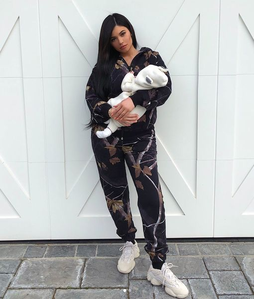 Meet Stormi! Kylie Jenner Shares First Pic of Daughter's Face