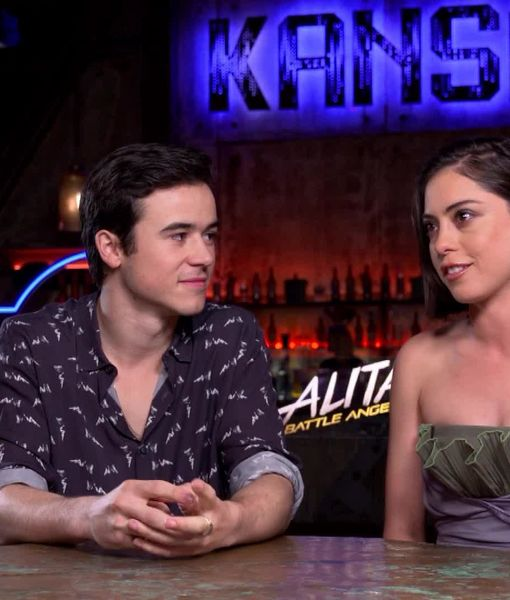 'Extra' with the Stars of the New Sci-Fi Thriller 'Alita: Battle Angel'
