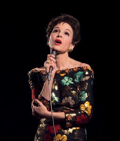 Pic! Renée Zellweger Is Unrecognizable as Judy Garland