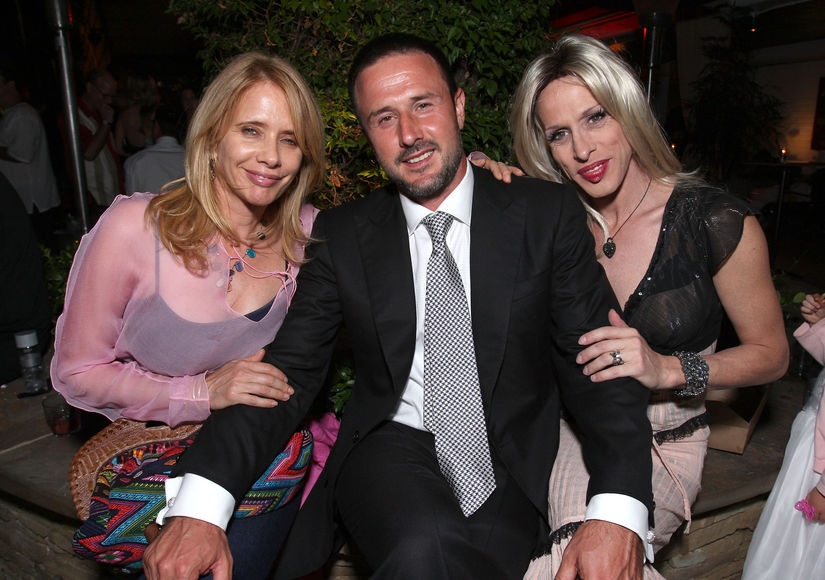 Tyler Henry Connects David & Rosanna Arquette with Their Late Sis Alexis on…