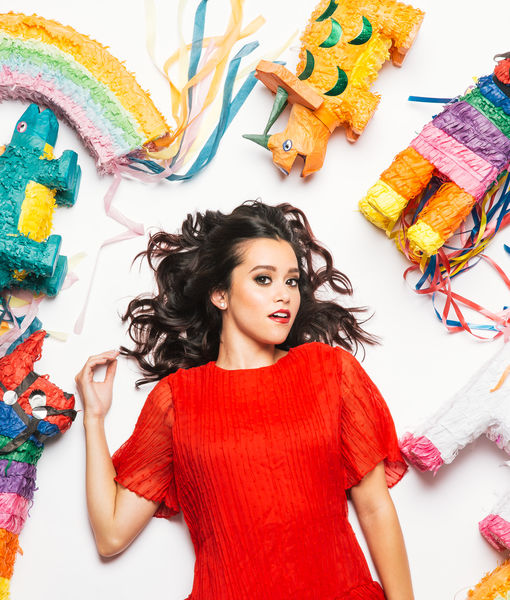 'Extra' Exclusive: Megan Nicole's Music Video 'My Kind of Party —…