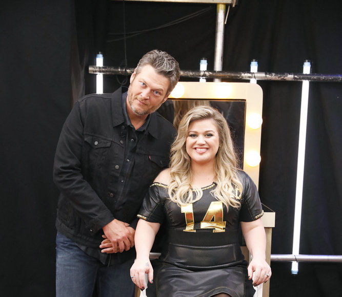 Kelly Clarkson & Blake Shelton Set to Perform at CMT Music Awards 2018