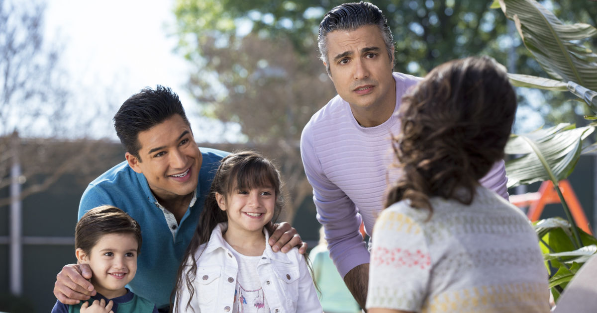 Exclusive Clip Mario Lopez Guest Stars On Jane The Virgin